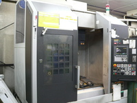 DuraVertical5060, vertical machining center (Mori Seiki) - Precision machining of small parts