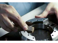 High-quality and high-precision machining of micron level