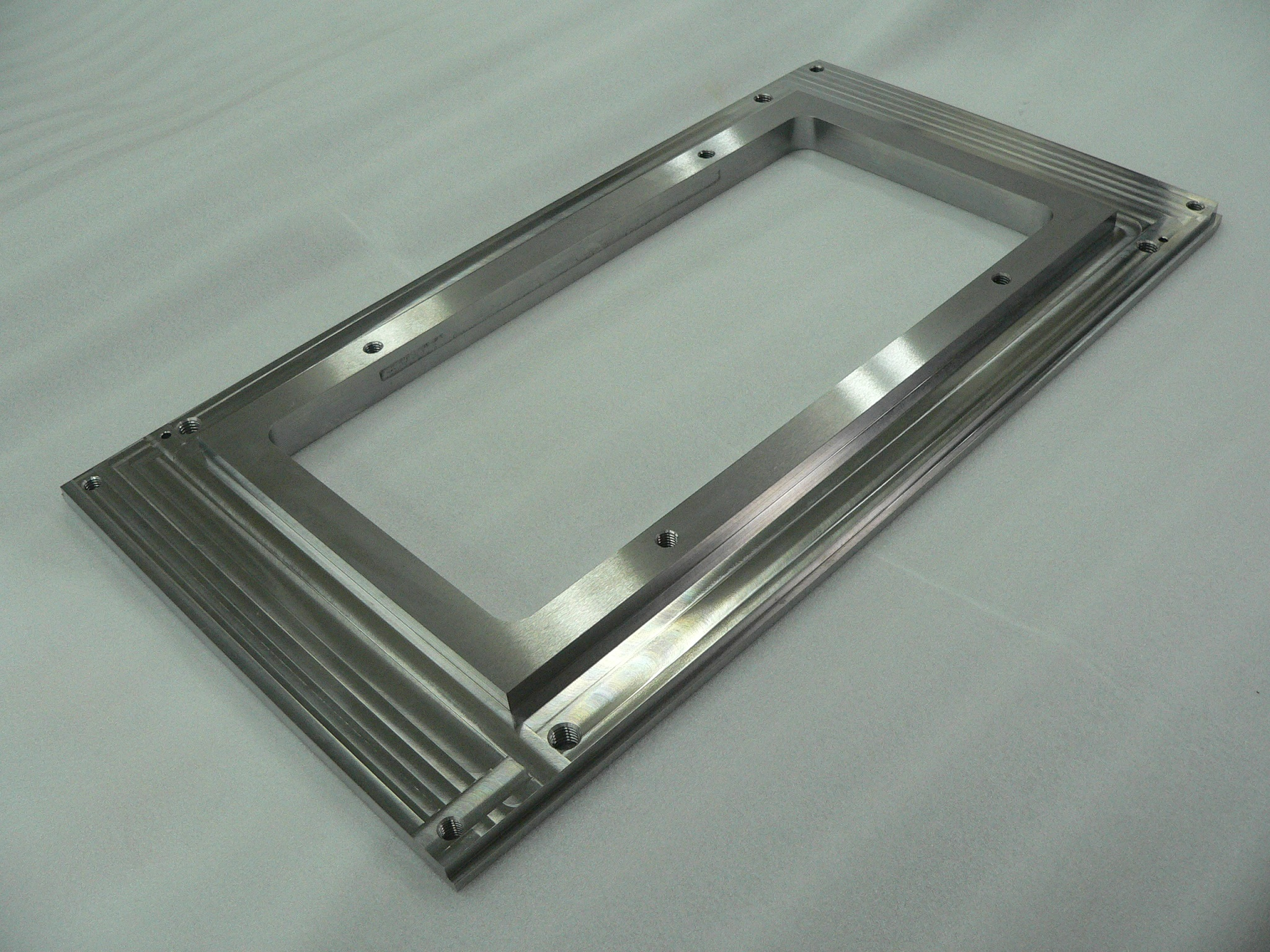 [Single-item production is possible] Center-rectangular-cut processing of stainless steel